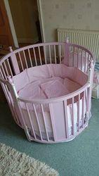 Babies round cot/crib